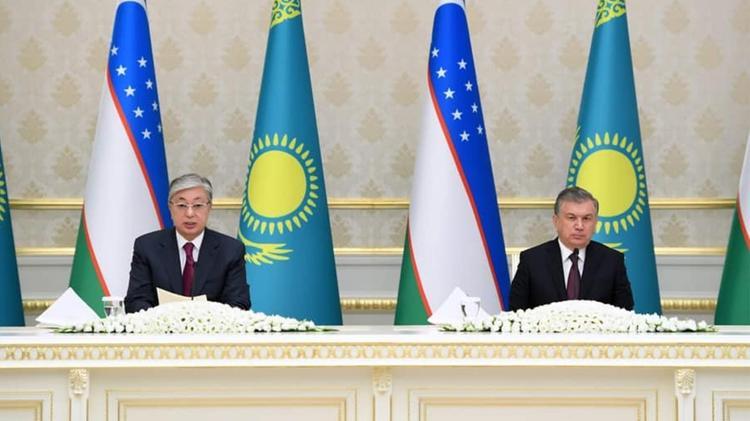 Қазақстан мен Өзбекстан Президенттері БАҚ өкілдеріне брифинг өткізді