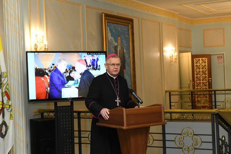 В музее Библиотеки Елбасы открылась выставка «Иоанн Павел ІІ – Папа диалога»