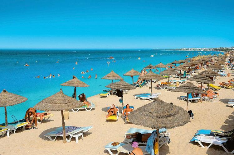Тунис открылся для туристов