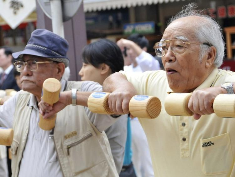 Жапонияда 100-ге толған 80 мың адам тіркелді