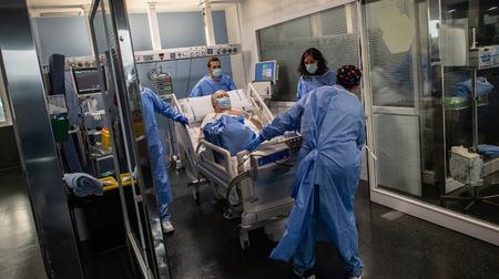 В Испании стремительно растет статистика зараженных коронавирусом
