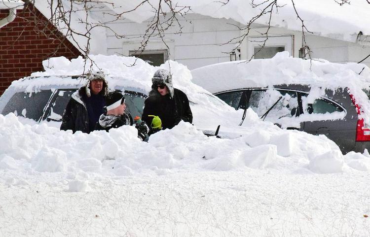 Из снежных заносов спасено 64 человека