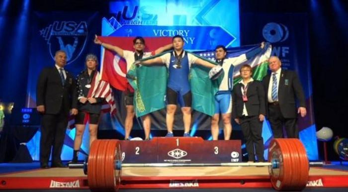 Қазақстандық ауыр атлет әлем чемпионатында алтын алды