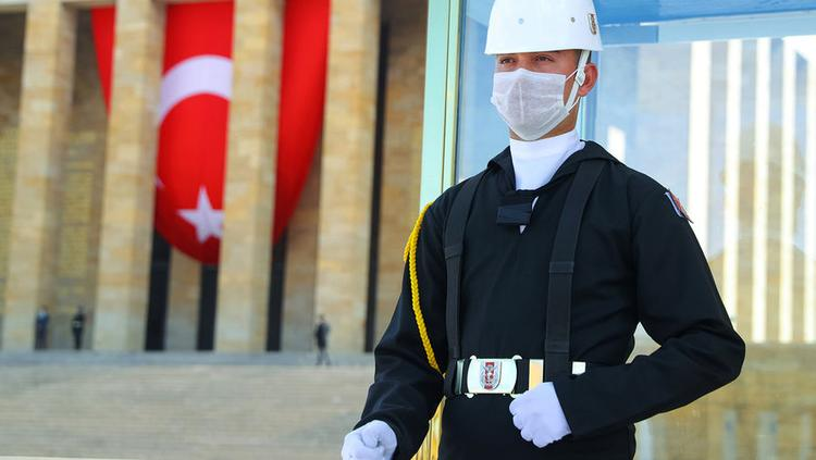 Казахстанцев просят воздержаться от полетов в Турцию