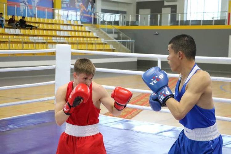 Турнир по боксу памяти Абдисалана Нурмаханова стартовал в Туркестане