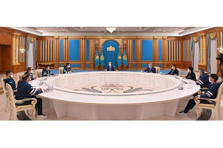 Президент Қазақстан Ұлттық паралимпиада құрама командасының мүшелерімен кездесті