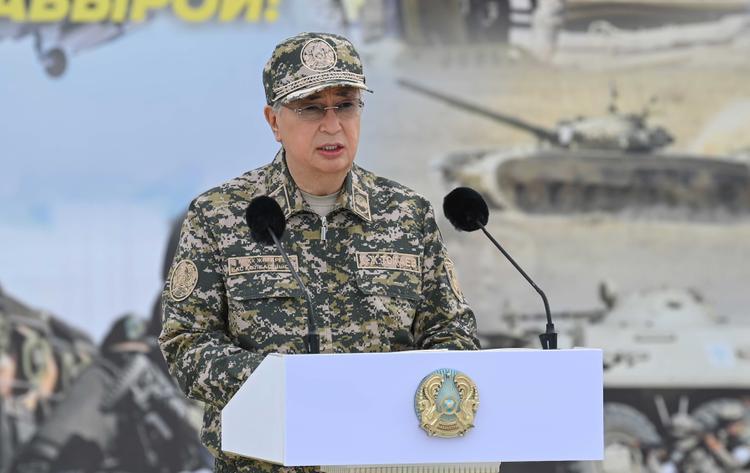 Президент «Отпантау-2021» әскери оқу-жаттығу жиынына барды
