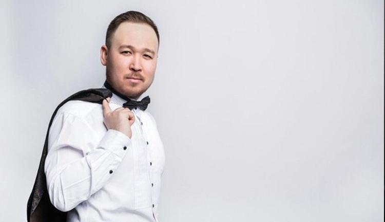 Асқар Жайлаубаев Шалқар радиосында жаңа әнінің тұсауын кесті